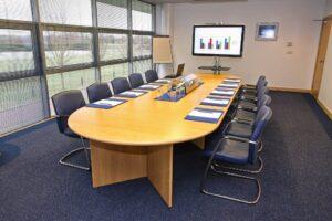 Cách chọn ghế phòng họp phù hợp với từng không gian