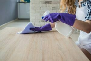 Cách vệ sinh bàn ghế văn phòng sạch sẽ, giữ hiệu quả dài lâu