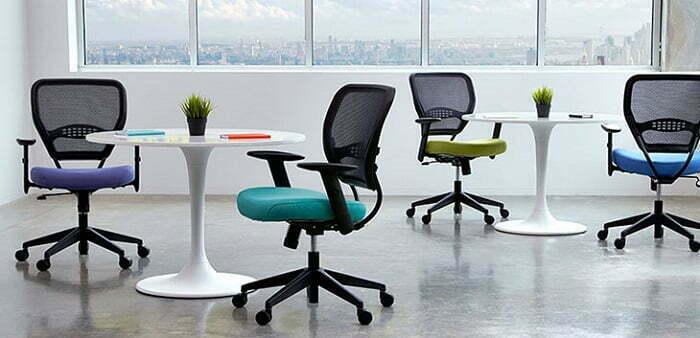 Giữ ghế văn phòng sạch sẽ để ngồi thoải mái
